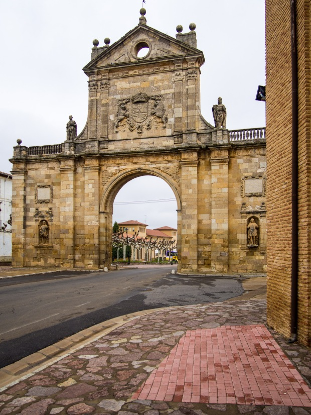 Day 18: Terradillos de los Templarios to El Burgo Ranero (Sahagún)