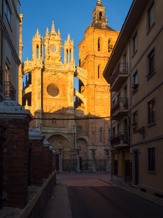 Day 22: San Martín del Camino to Astorga (Astorga)