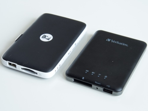 Comparison of the Kingston (left) and Verbatim devices.
