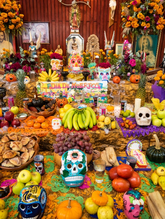 Ofrenda at the Mercado Jamaica